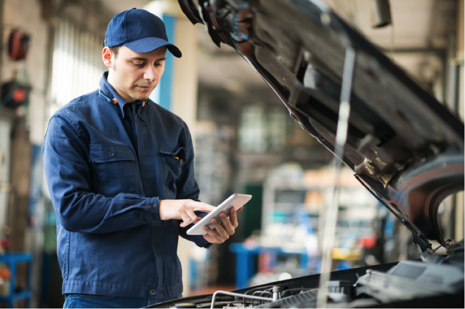 How to Answer Common Automotive Service Advisor Interview