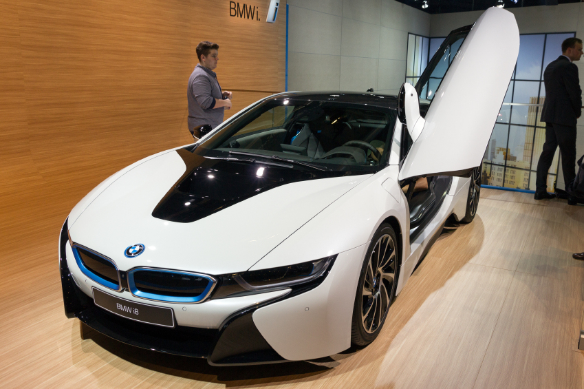 The new BMW i8 takes some styling cues from the BMW M1 Hommage concept car