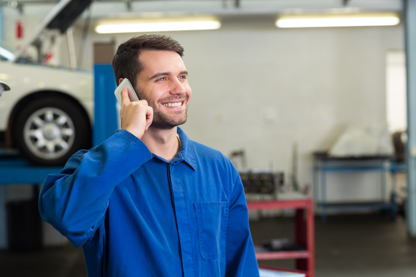 Auto Service Advisor on Phone