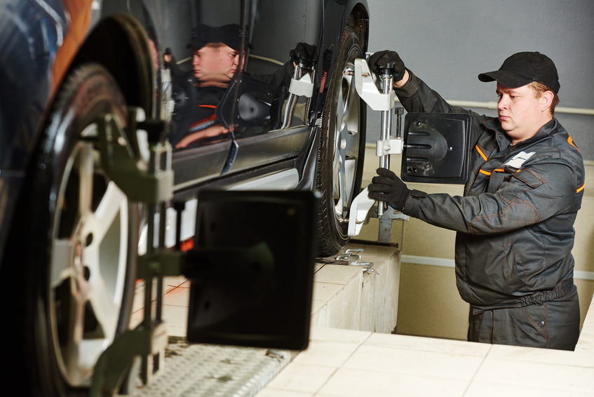 Auto Mechanics May Soon Work On New Sideways Sliding Wheels