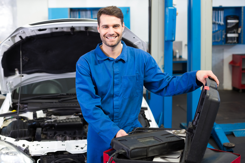 3 reasons you can enjoy job security with an auto mechanic career