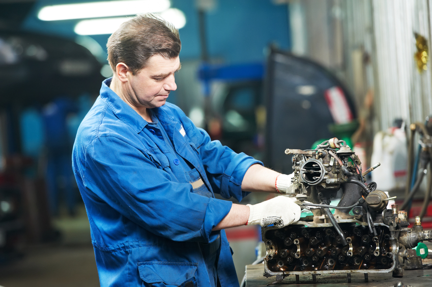 become an auto mechanic in Montreal