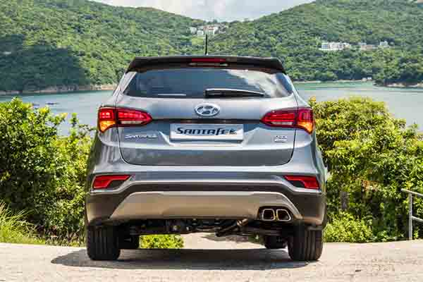 Find out what to look forward to in the updates to this older model of the Hyundai Santa Fe
