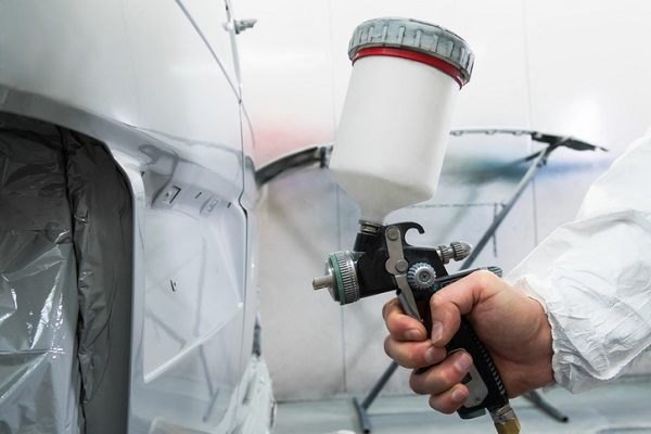 Clean spray guns to prevent paint from mixing together