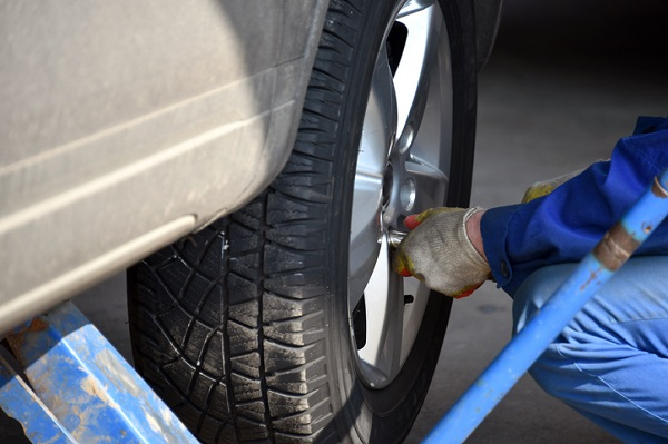 Lug nut replacement follows the first few steps of replacing a flat tire