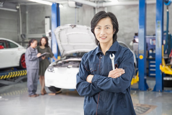 More and more professionals are needed to solve complex car problems