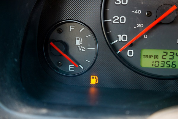 How is Running on Empty Bad for Your Car? What Students in