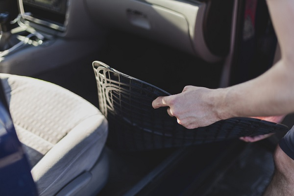 Rubber mats can help protect the interior of a car from salt stains