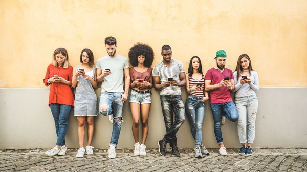 You can provide customer service through channels that millennials access on their smartphones