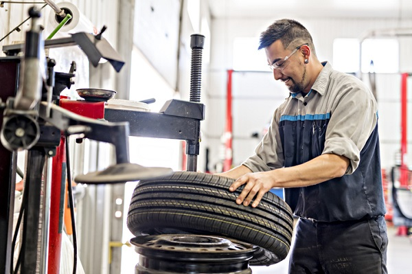 Graduates can use their auto mechanic training to properly balance tires
