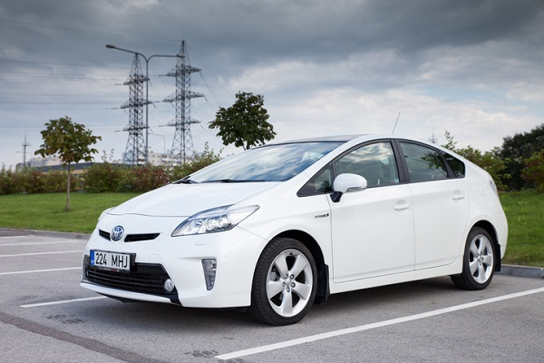 The Prius' excellent fuel efficiency makes it ideal for long commutes