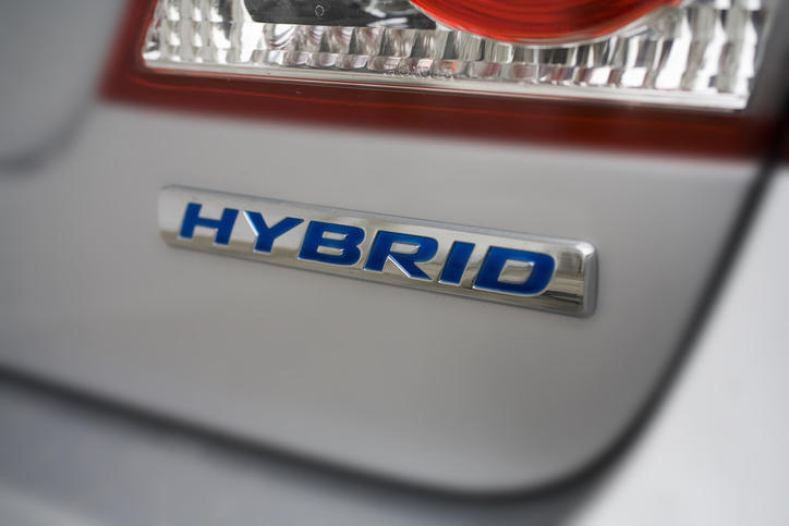Hybrid and Electric Vehicle Mechanic