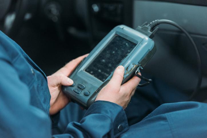 automotive service technician training in Canada